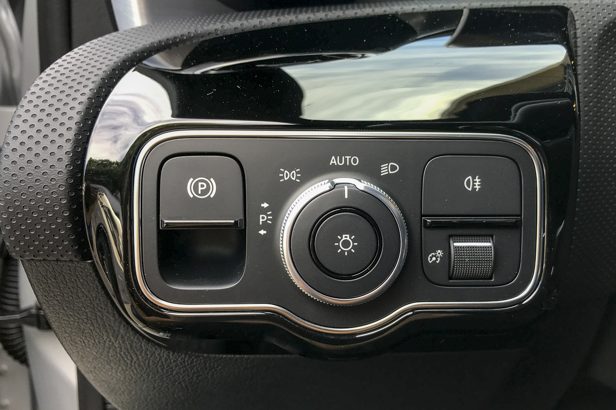 Mercedes-Benz A 180 Limousine D AMG Line Auto completo